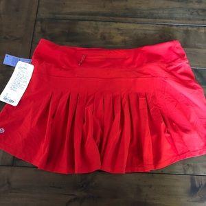 Lululemon Circuit Breaker Skirt (Tall).  Size 12